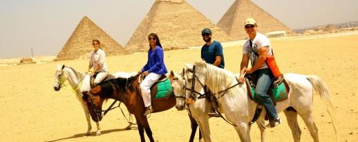 Horse ride - Giza pyramids
